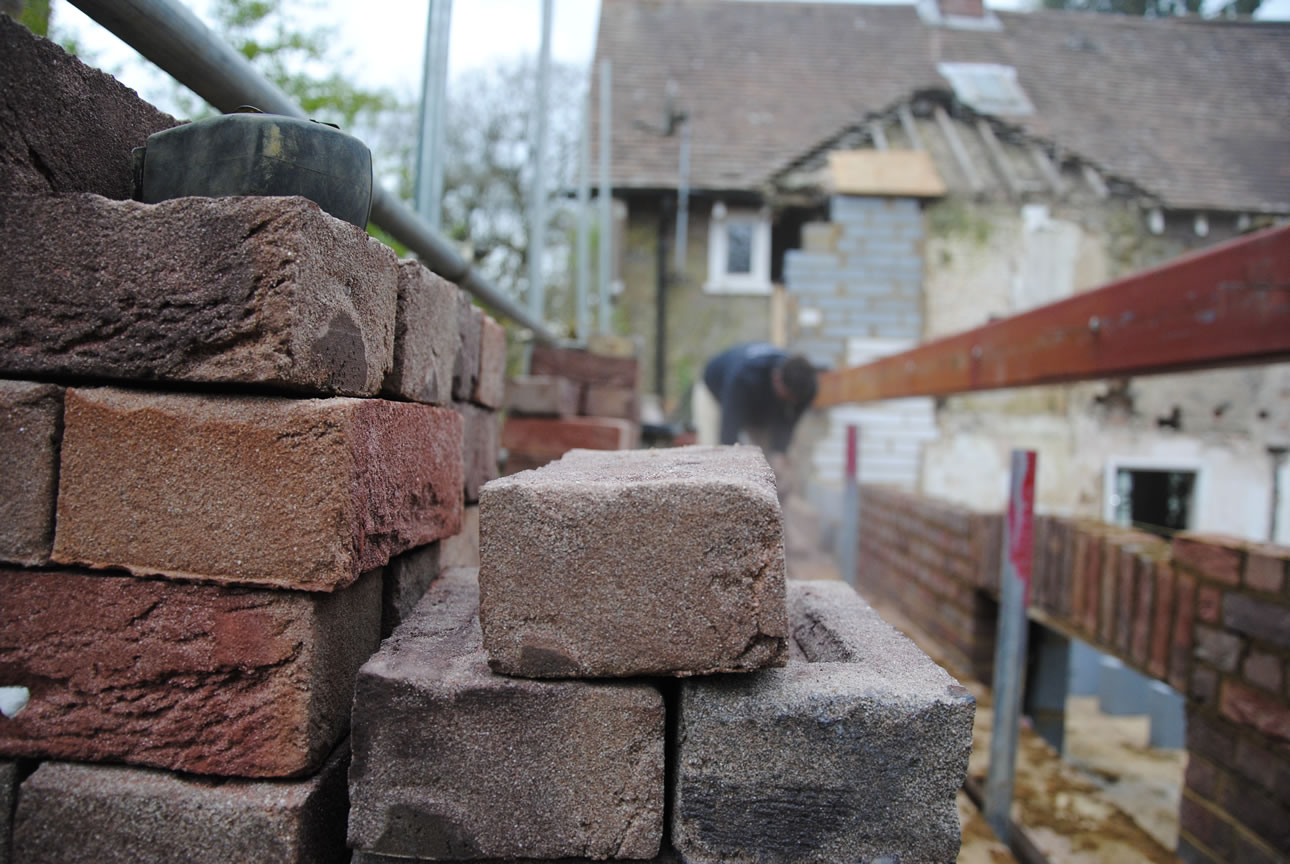 tailored brickwork | Surrey Bricklayer - Extensions, garden walls & patios